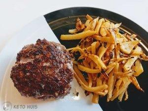 keto hamburger met frietjes